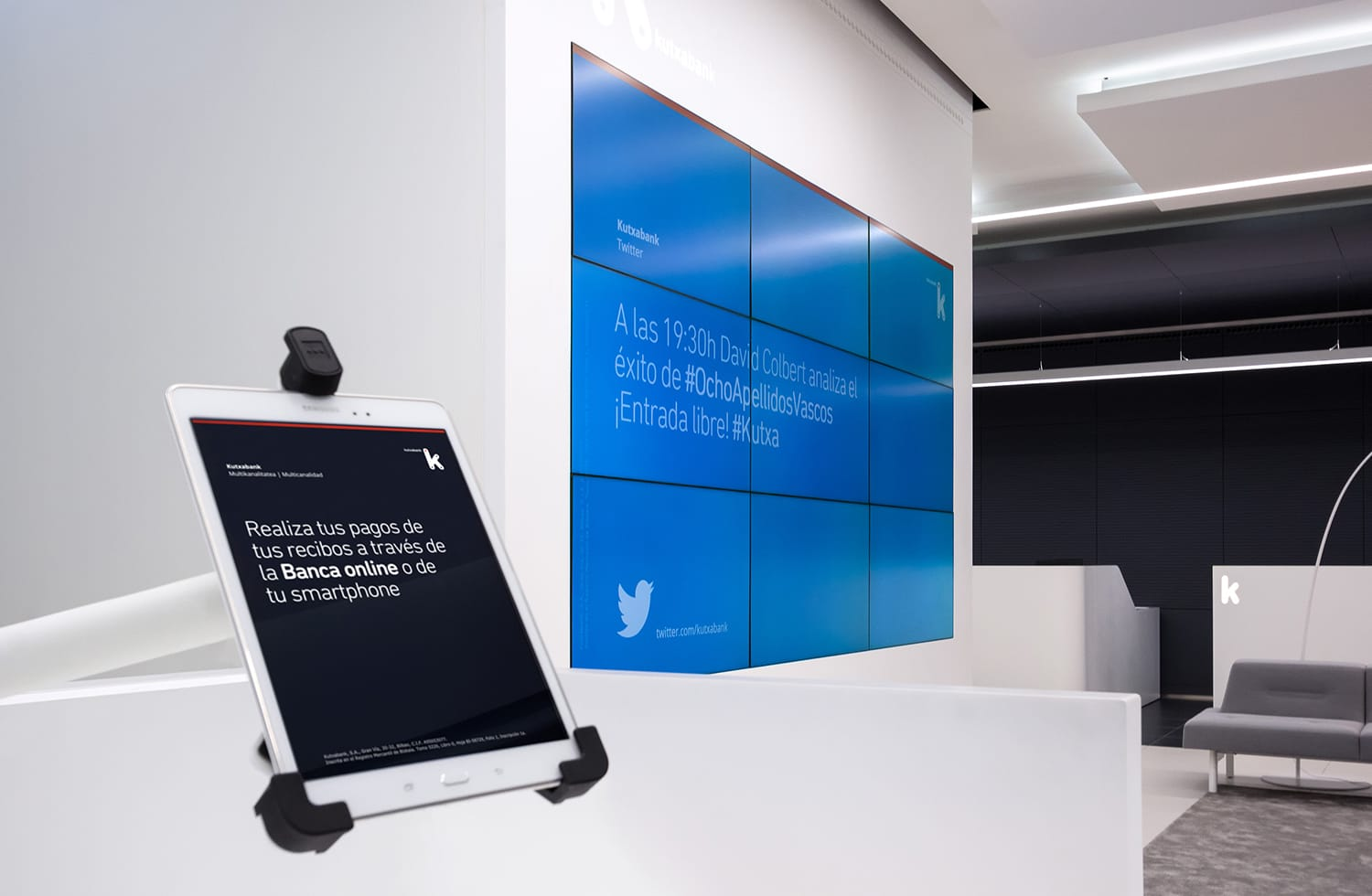 kutxabank interface design tablet videowall flagship